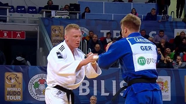 De Wit takes -81kg title