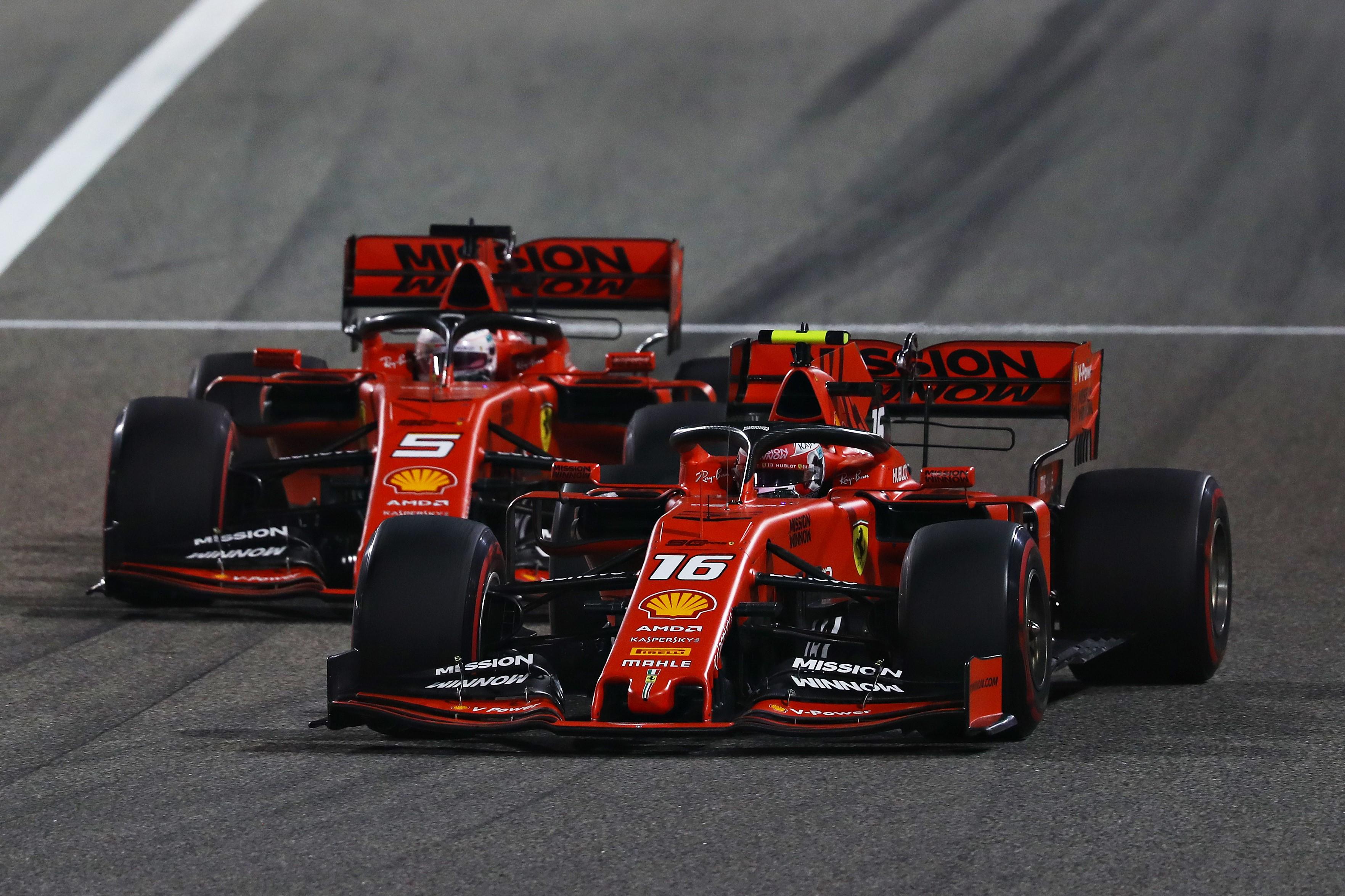 Charles Leclerc et Sebastian Vettel pendant le Grand Prix de Bahrein