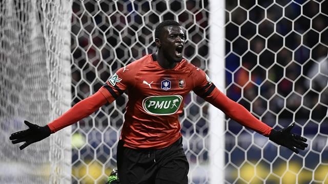 Un chassé-croisé prenant, un penalty litigieux et c'est Rennes qui a mis l'OL à terre