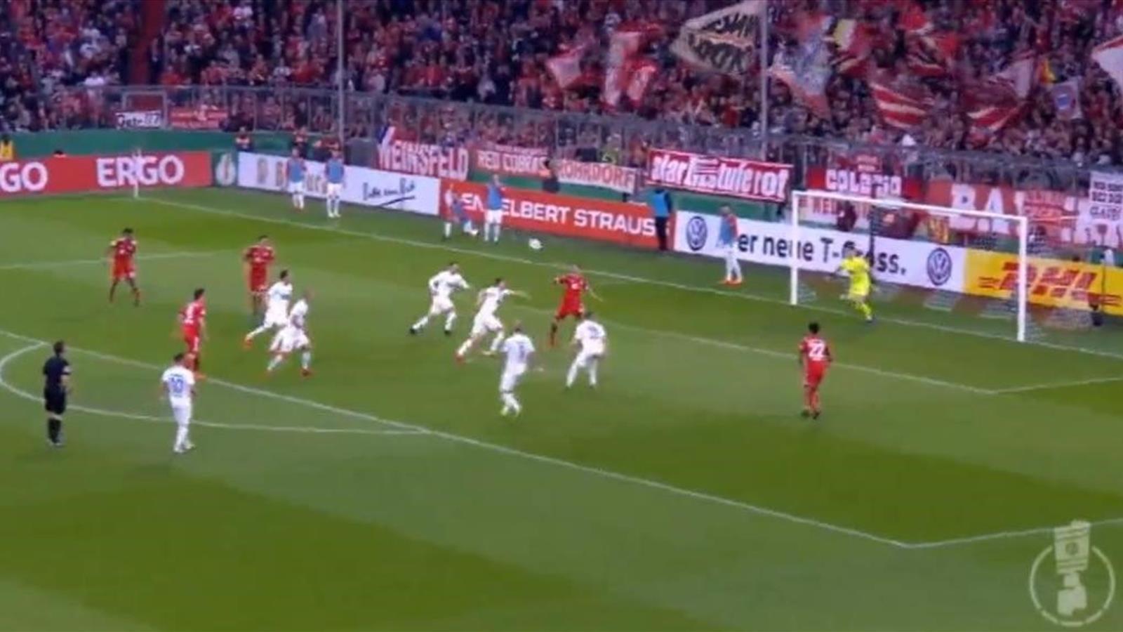 Удаление на 15-й минуте и 9 голов – «Бавария» и «Хайденхайм» развернули матч покруче «Барсы»