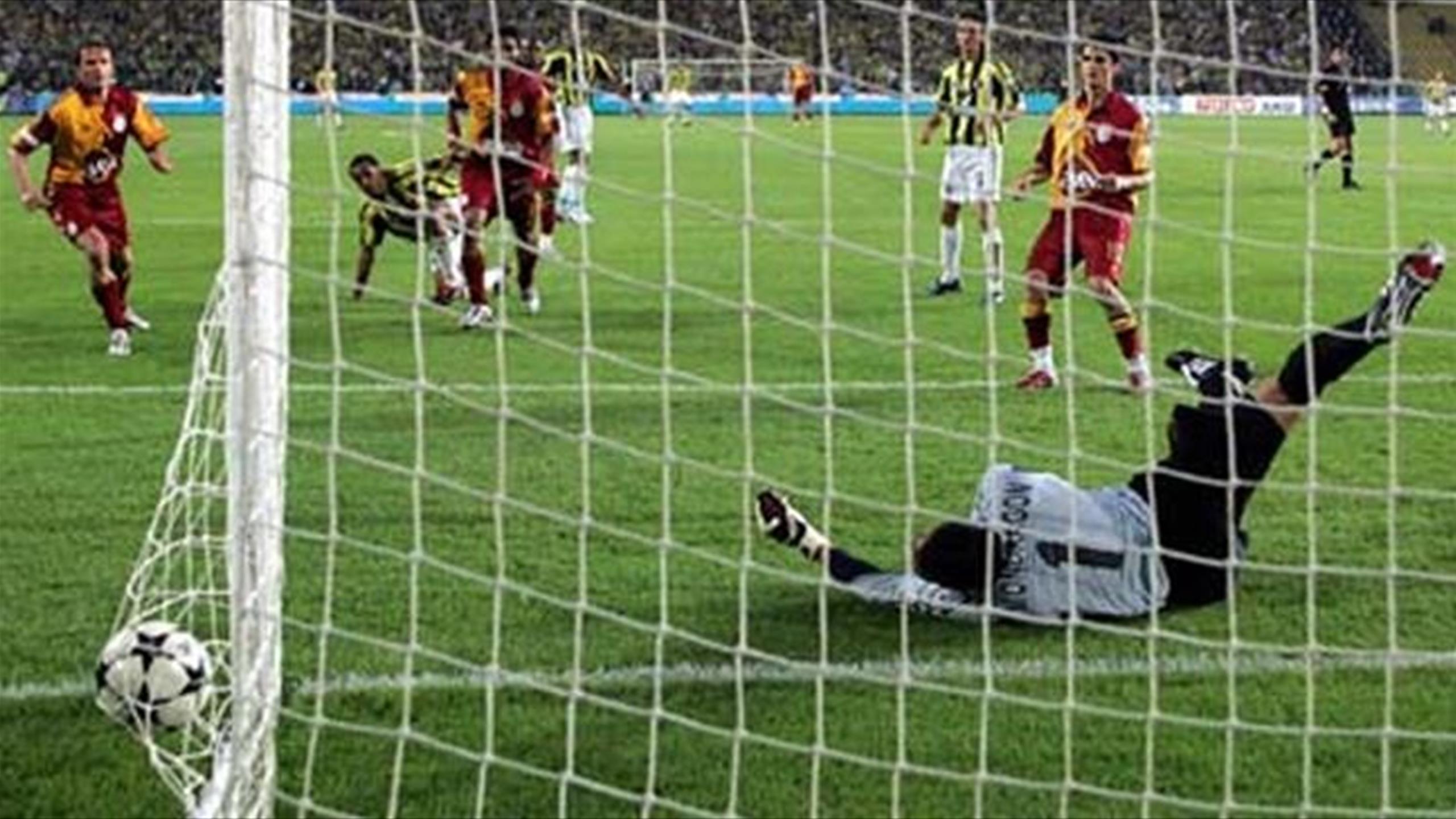 Fenerbahçe'in Kadıköy'de Galatasaray'a Yenilmediği 19 lig maçı 8