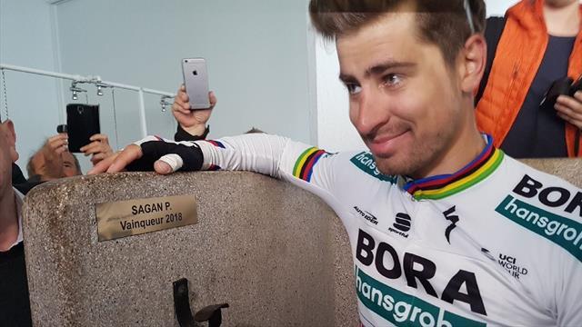 París-Roubaix 2019: Peter Sagan cumple con la tradición de las duchas tras su victoria de 2018