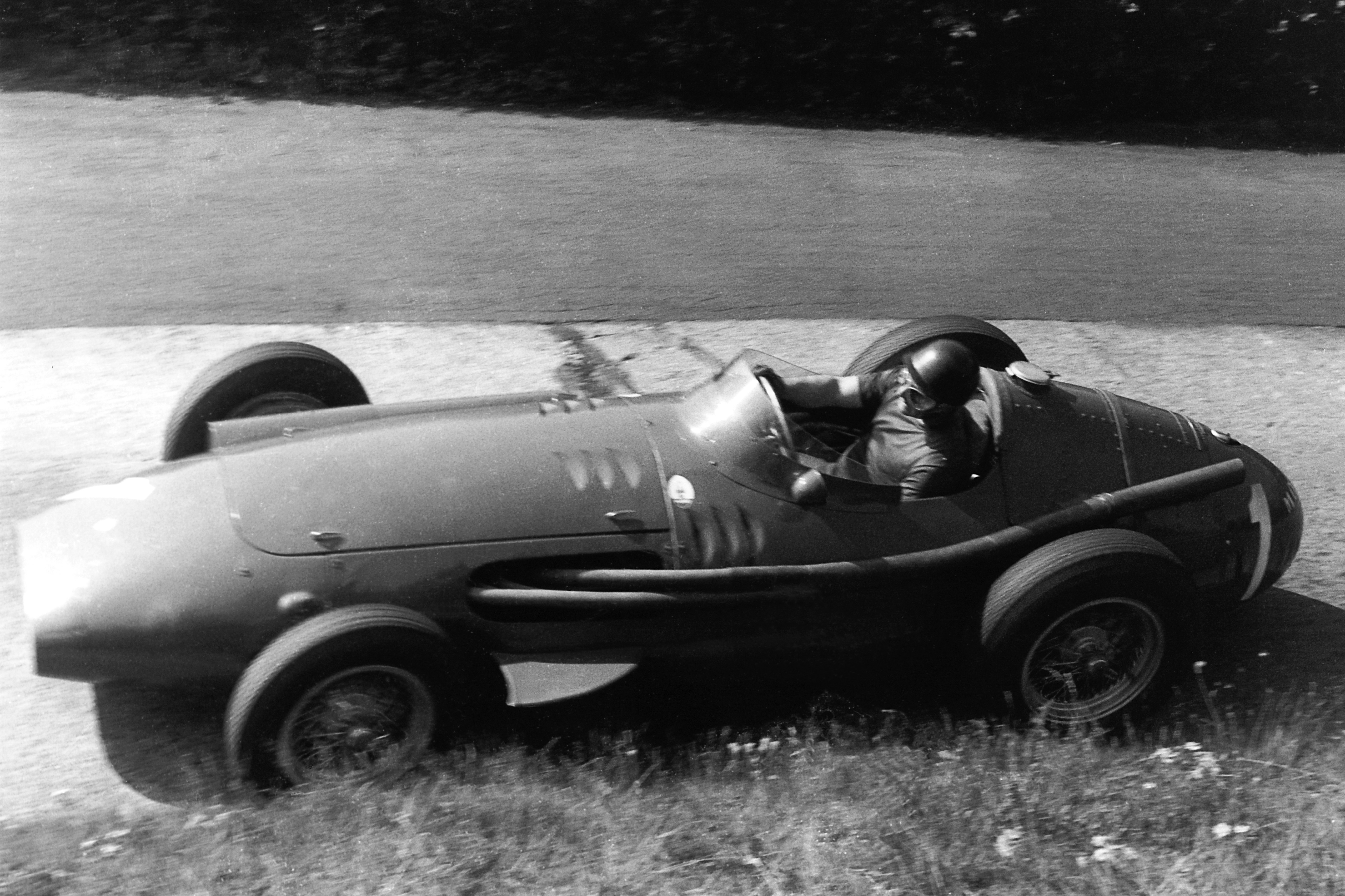 Juan Manuel Fangio (Maserati) au Grand Prix d'Allemagne 1957