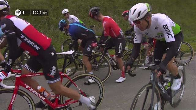 París-Roubaix 2019: El enganchón que casi arruina el día a Peter Sagan