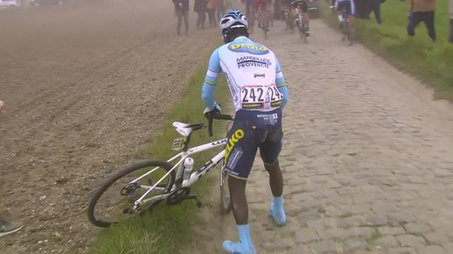 París-Roubaix 2019: La aventura del africano Areruya acabó con una avería de su bici
