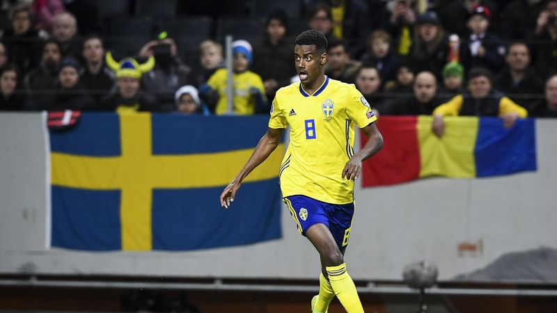 Sweden's forward Alexander Isak controls the ball during the Euro 2020 football 1st round Groupe F qualification match between Sweden and Romania on March 23, 2019 in Solna