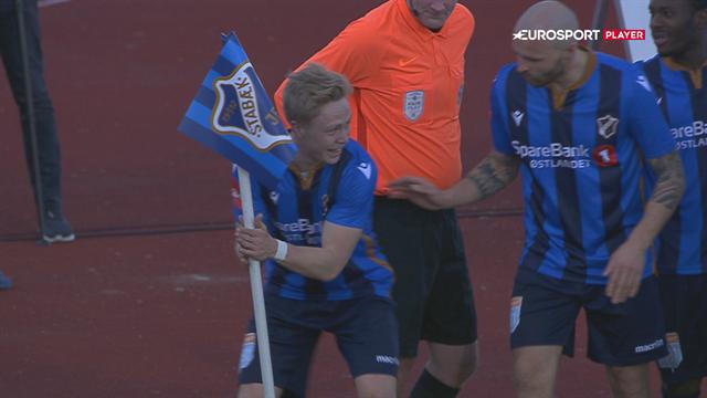 Se det vanvittige mål, der på ny sænkede Rosenborg og Bendtner