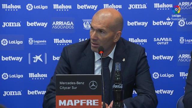 """32e j. - Zidane : """"Ce n'est pas suffisant"""""""