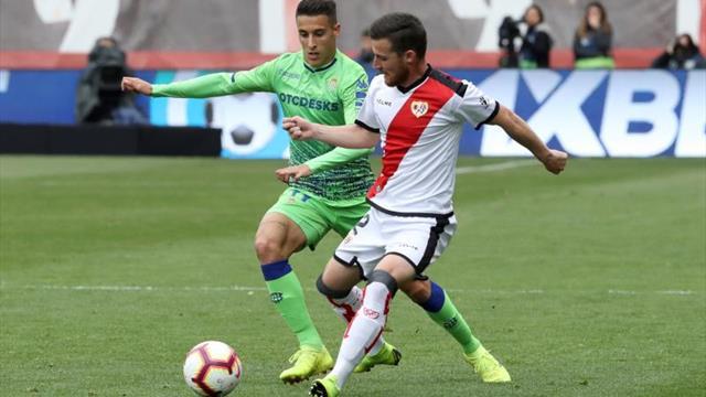 Tito sustituirá a Advíncula en el lateral derecho frente al Huesca