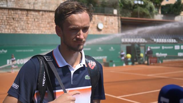 Медведев: «Видимо, я в хорошей форме. В том году выиграл один матч на грунте, здесь – уже 2»