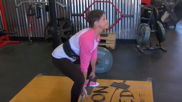 Бабуля-Халк подняла 138 кг в становой тяге и установила мировой рекорд