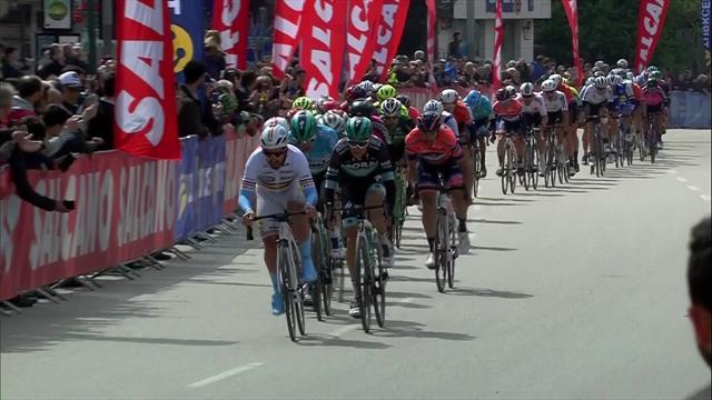Ewan 'steals' win on Stage 4 sprint