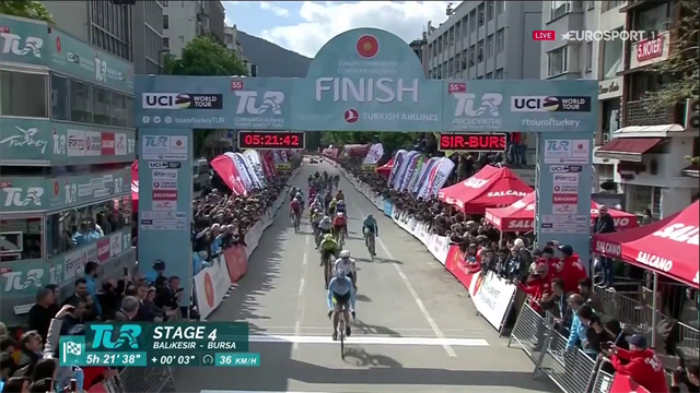 Caleb Ewan in volata per la quarta tappa del Giro di Turchia