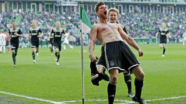 Erst Tor, dann Platzverweis: Huntelaar bei Ajax-Sieg im Mittelpunkt