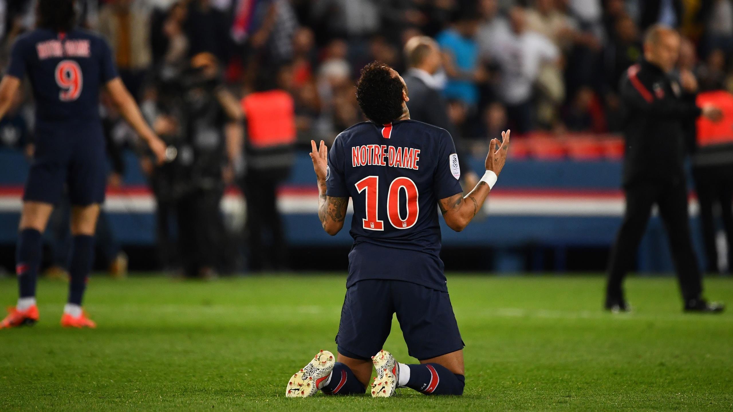 PSG Gegen AS Monaco Notre Dame Auf Der Brust Und Auf Dem