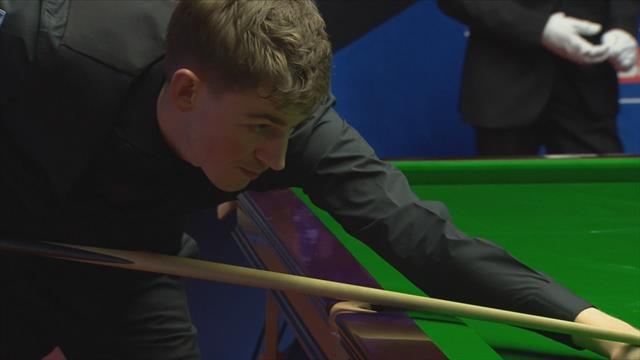 Cahill capitalises on O'Sullivan miss to seize initiative