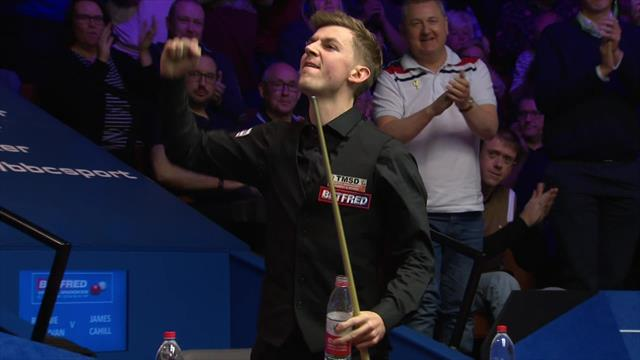 Cahill clears up and bangs table in delight after beating O'Sullivan