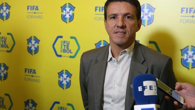 Juninho Paulista dice que Brasil quiere tener a lo mejor en la Copa América
