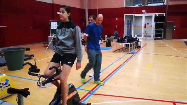 Carolina Marín abandona las muletas tres meses después de su operación de rodilla