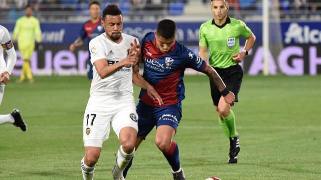 ⚽👀 El Huesca desciende a Segunda División con una dolorosa goleada ante el Valencia (2-6)