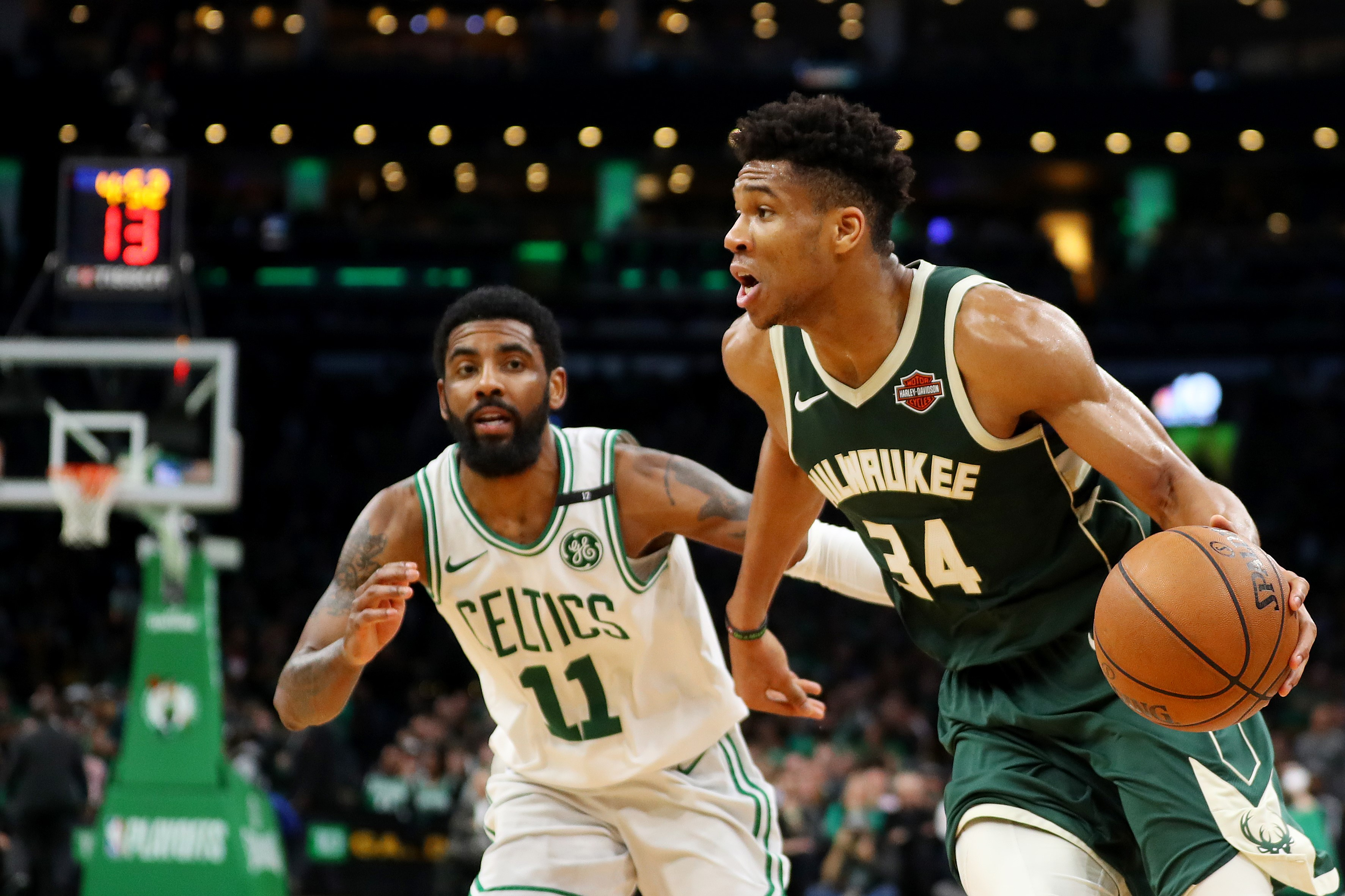 Giannis Antetokounmpo ve Kyrie Irving