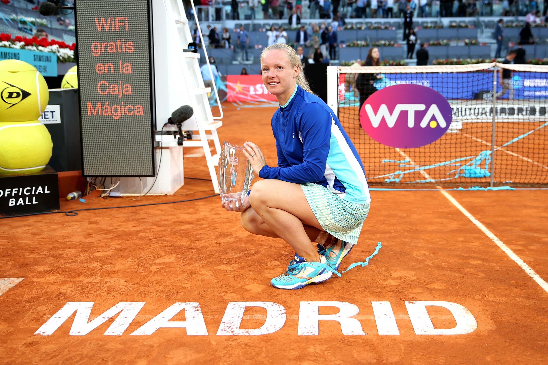Kiki Bertens, Madrid Açık'ta zafere ulaşarak kariyerinin en büyük zaferine ulaşıyor.