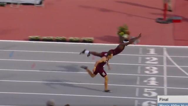 Tel Superman, il plonge sur la ligne pour remporter son 400m haies
