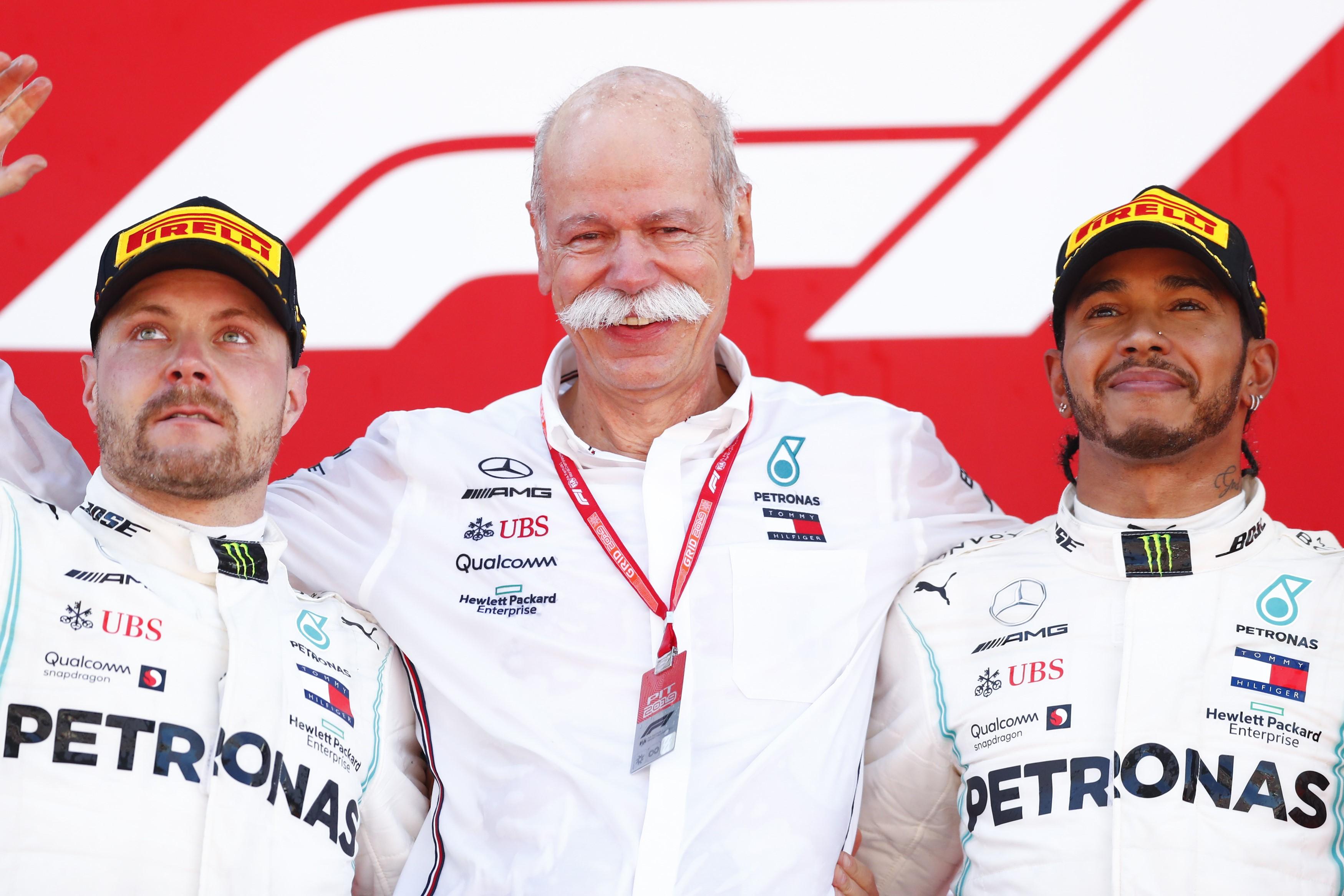 Valtteri Bottas ve Lewis Hamilton, sezonun beşinci Grand Prix'sinde de ilk iki sırayı aldılar.