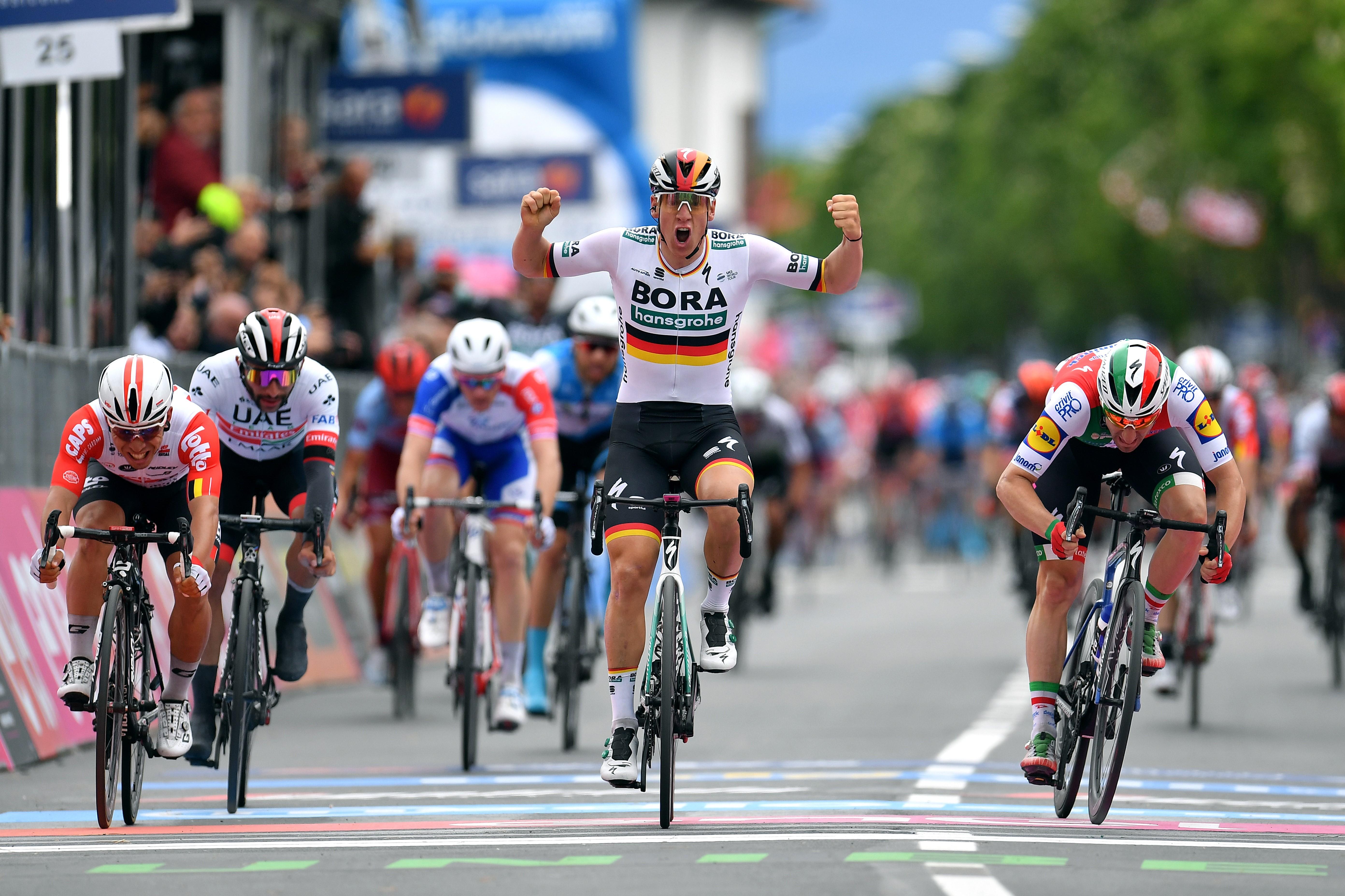 Bora Hansgrohe'li Pascal Ackermann, Giro 2019'un ikinci etabında galibiyete ulaştı.