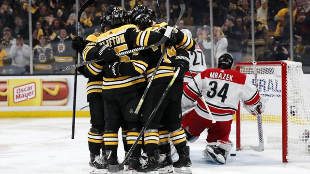 «Бостон» разгромил «Каролину» и вышел в финал Кубка Стэнли