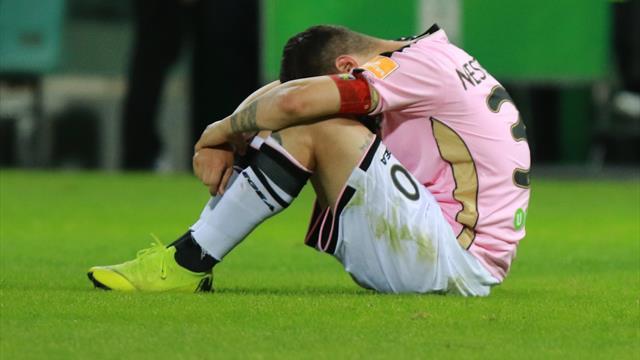 """Palermo bocciato dalla Covisoc, è escluso dalla Serie B. Tuttolomondo: """"È un complotto"""""""