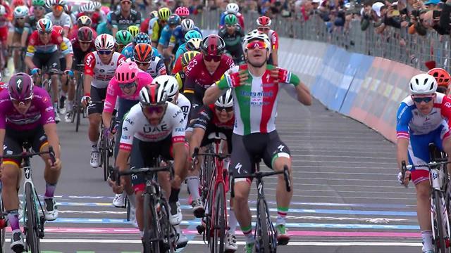 Вивиани выиграл третий этап «Джиро», но победу аннулировали из-за резких маневров на финише