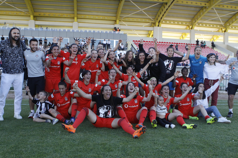 Beşiktaş Kadın Futbol Takımı (Fotoğraf: Betül Usta)
