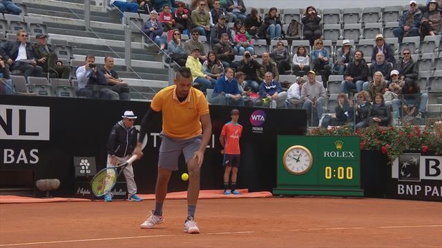 Кирьос открыл матч против Медведева наглой подачей с руки
