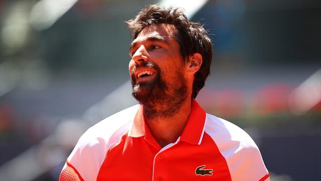 Chardy bat Garin et file en quarts à Bastad — Tennis