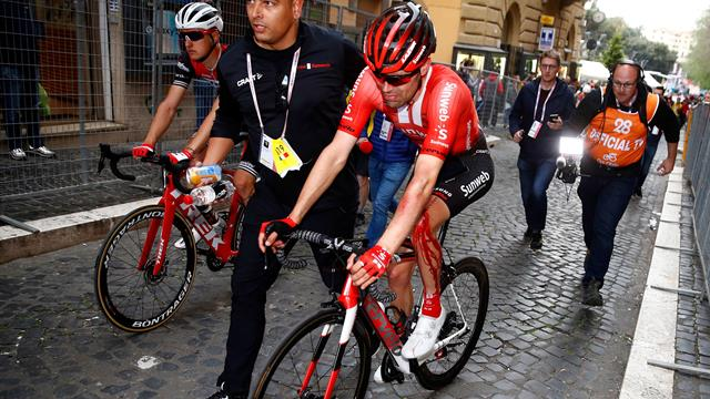 Tom Dumoulin out for rest of season with knee injury