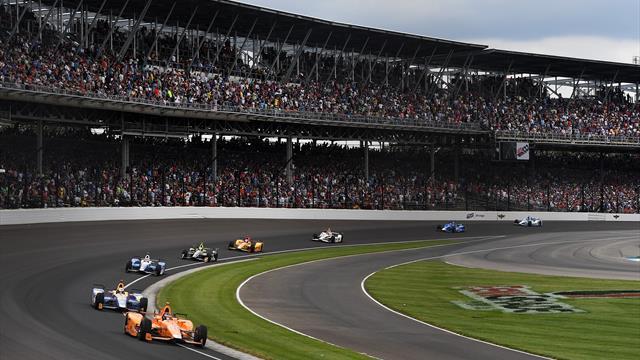 500 Miles d'Indianapolis : Sortie de piste pour Alonso, secoué mais indemne