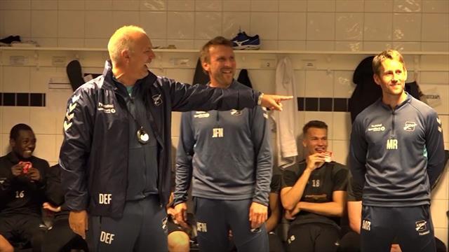 Overrasker Fagermo med stunt i garderoben – bryter ut i latter