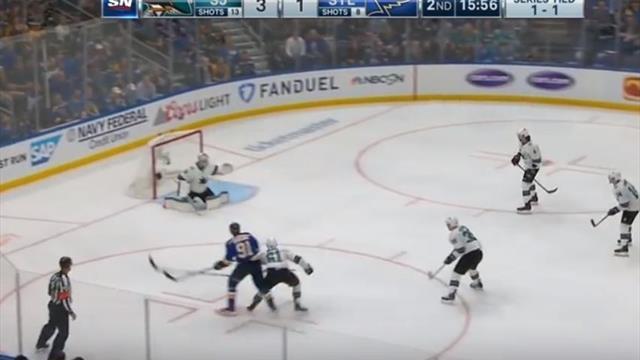 Тарасенко метеором промчался по льду, пальнул в девятку и набрал 40-е очко в плей-офф