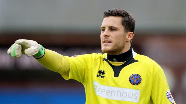 Blackburn goalkeeper Jayson Leutwiler signs one-year extension