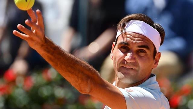 Federer regresa a Roma con victoria