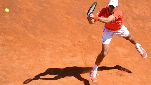 Djokovic barre a Shapovalov y se mete en octavos