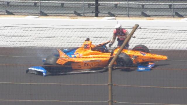 L'impressionnant crash d'Alonso à Indianapolis