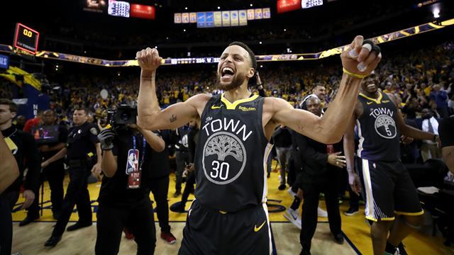 I risultati della notte: rimonta vincente di Golden State, Warriors sul 2-0 contro Portland