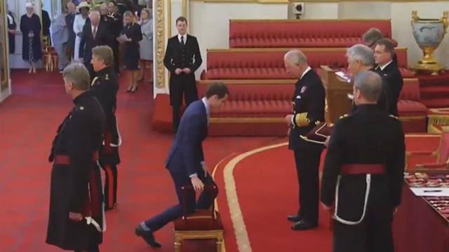 Принц Чарльз посвятил Маррея в рыцари
