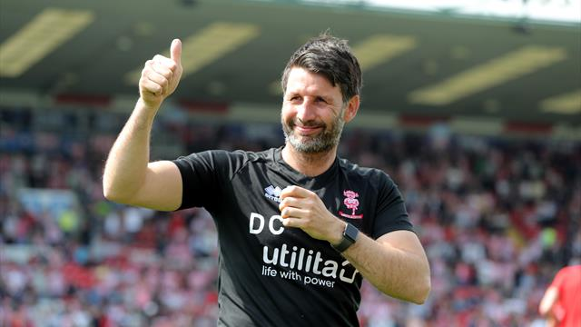 Middlesbrough considering move for Lincoln boss Cowley