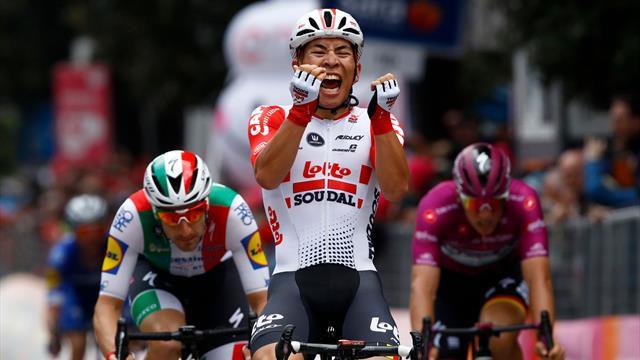 Giro d'Italia, ottava tappa: Ewan batte Viviani in volata, Conti resta leader