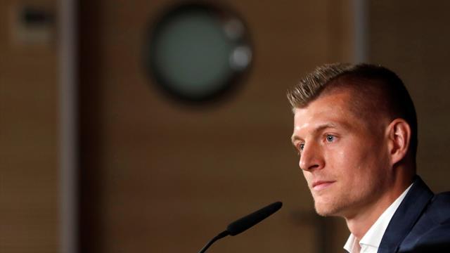 Kroos promete más títulos tras su renovación con el Madrid