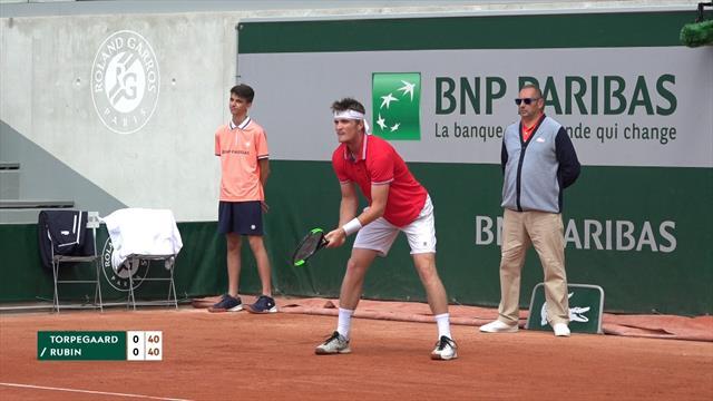 Ét skridt tættere Roland Garros: Danske Torpegaard slår amerikaner i vigtig kvalifikationskamp