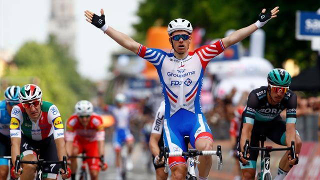 18:57 - Ciclismo, Giro, Viviani si ritira: sono deluso